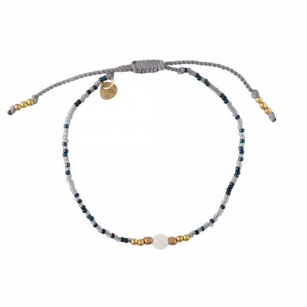 Iris Moonstone Gold Bracelet